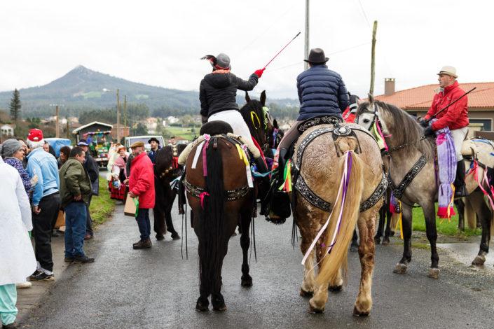 Comitiva dos Xenerais da Ulla de Marrozos dando Vivas polas aldeas da parroquia