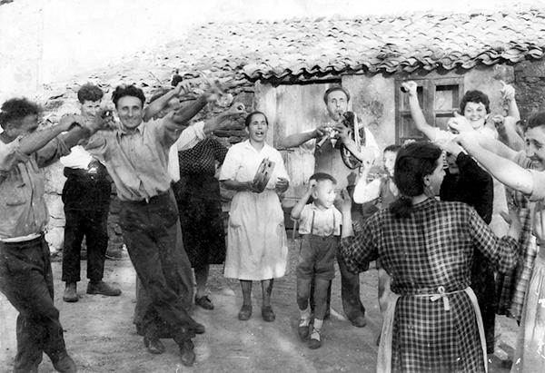 Fiesta de la malla en Corexo (Marrozos) en 1961