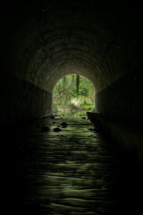 Río Santa Lucía no tunel do vello trazado do ferrocarril Zamora – A Coruña