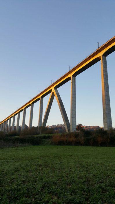 Viaduto do Eixo do trazado de alta velocidade